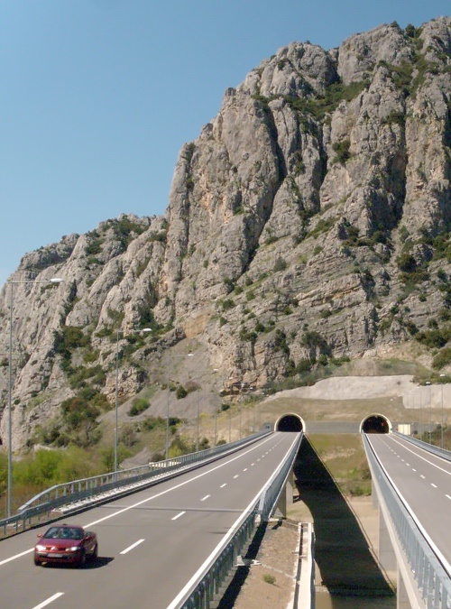 CONNECTA Completes Project Documentation for the Replacement of Guardrails along Corridor X in North Macedonia